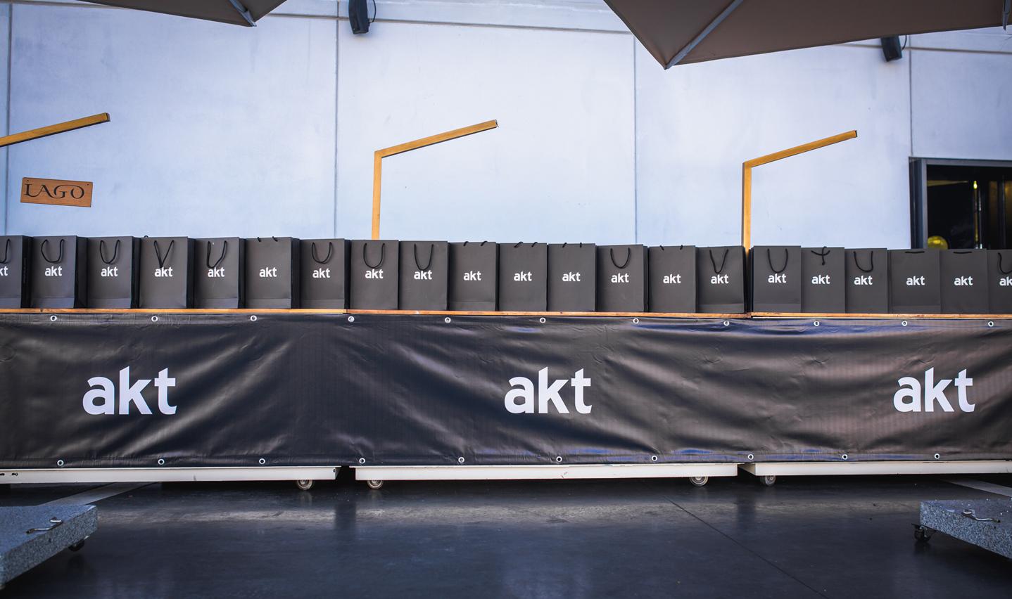 AKT-7669