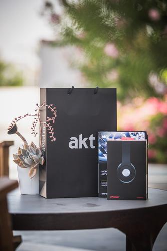 AKT-7769