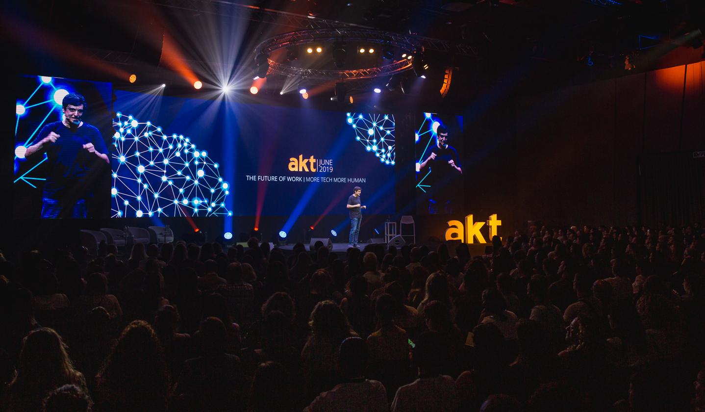 AKT-9165